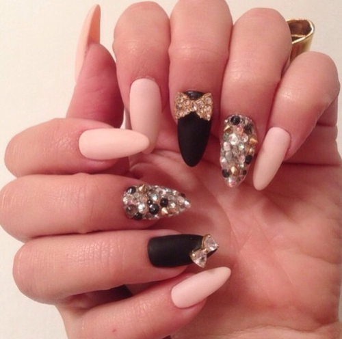 MelissaCake_PointyNails